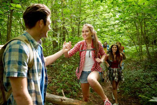 group-hike-row-fun